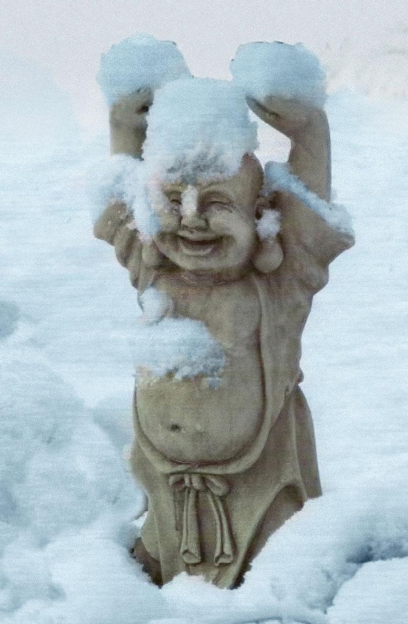 Bewegungen Buddha im Schnee